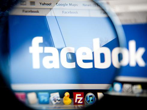 Facebook月活跃用户突破10亿 6亿为移动用户